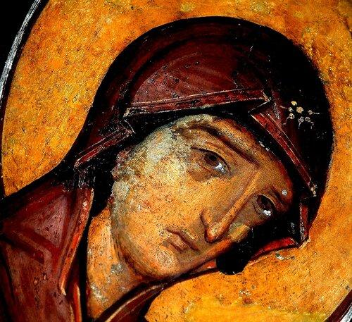 Лик Пресвятой Богородицы. Фреска Кремиковского монастыря Св. Георгия близ Софии, Болгария. XV век.
