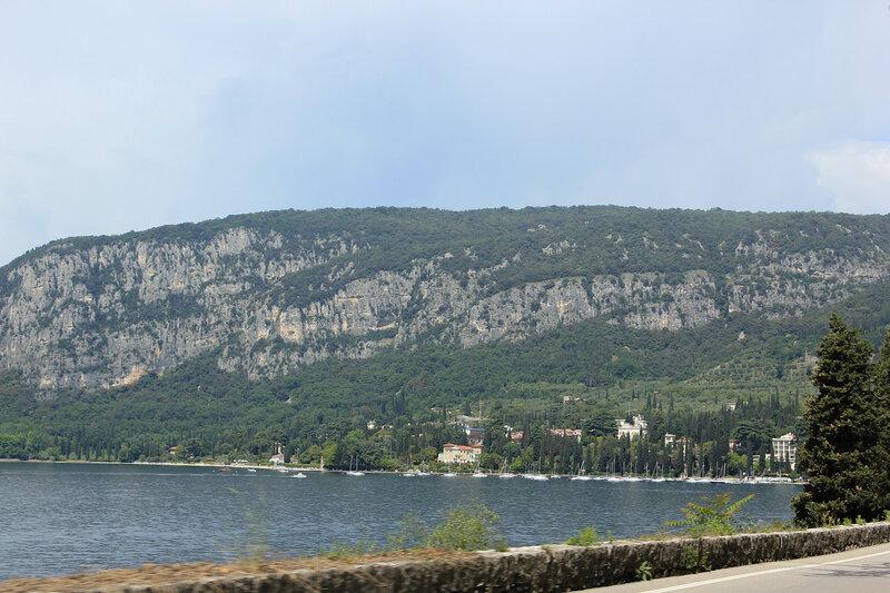 Вид на полуостров в районе городка Дзона-Артиджанале-Гарда