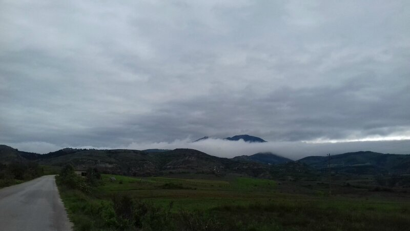 Облако лежит на Плоски