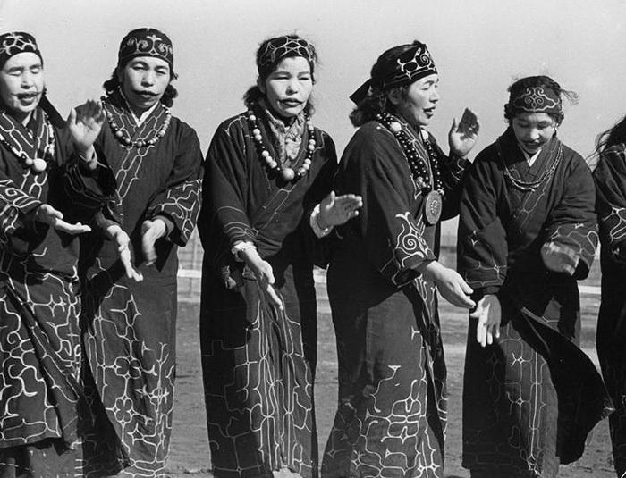 5. Уродливые татуировки женщин племени Apatanis  А вот татуированные женщины из племени Apatanis