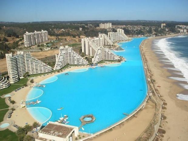 1. Идея строительства такого необычного бассейна принадлежит архитектору и председателю по инфрастру