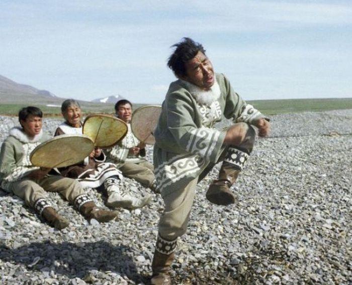 9. Танец эскимосов