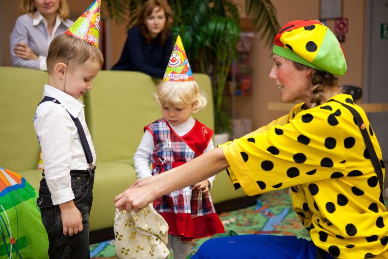 2. Проведение дня рождения в детском кафе является идеальным решением вопроса. Вам надо только догов