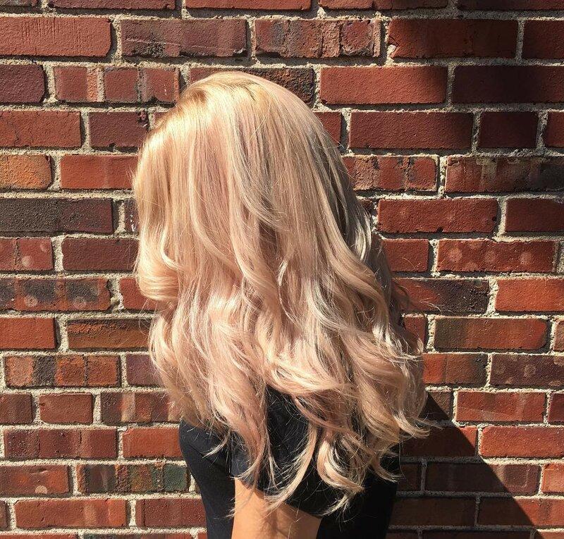 розовое-золото-волосы-окрашивание-фото5.png