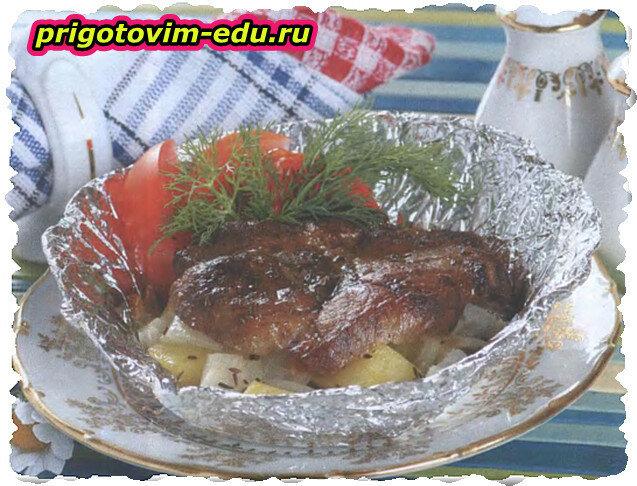 Свинина, запеченная в фольге