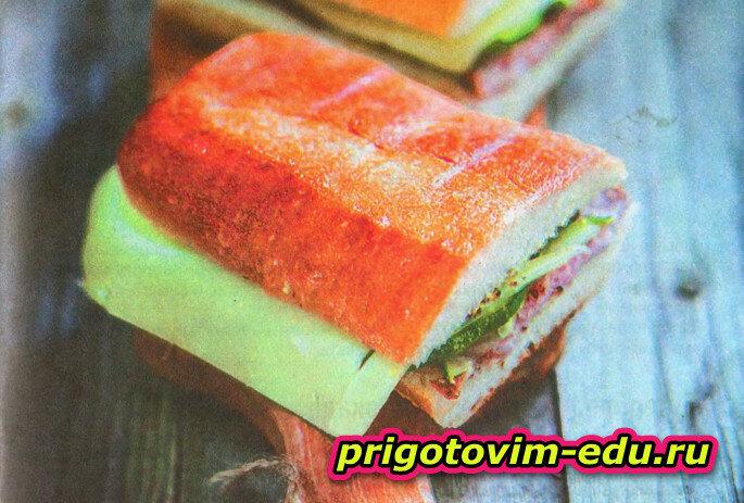 Сэндвич с холодной курицей