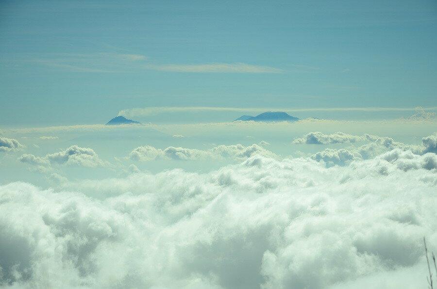 Вид на Мерапи и Мербабу