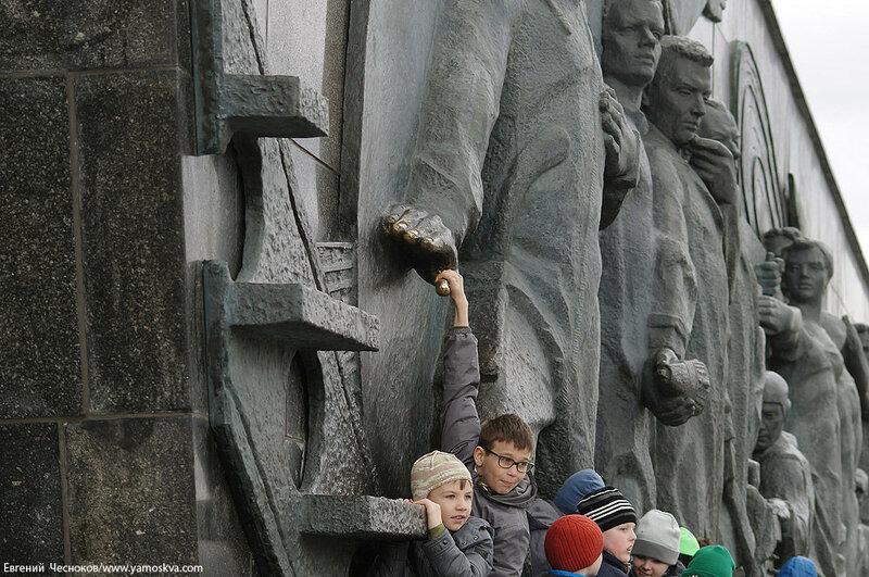 14. Аллея Космонавтов. 11.04.16.08..jpg