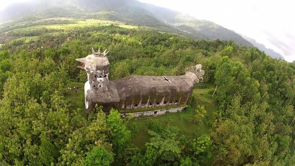 An Abandoned Indonesian Church Shaped Like a Massive Clucking Chicken (9 pics)