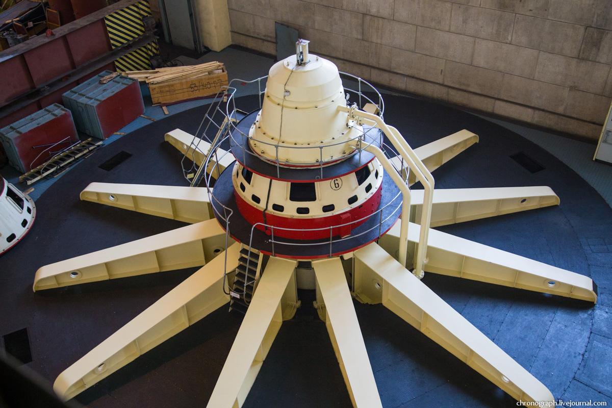 Монтаж рабочего колеса гидроагрегата №7 на Жигулёвской ГЭС 0_11235c_18da7ce1_orig