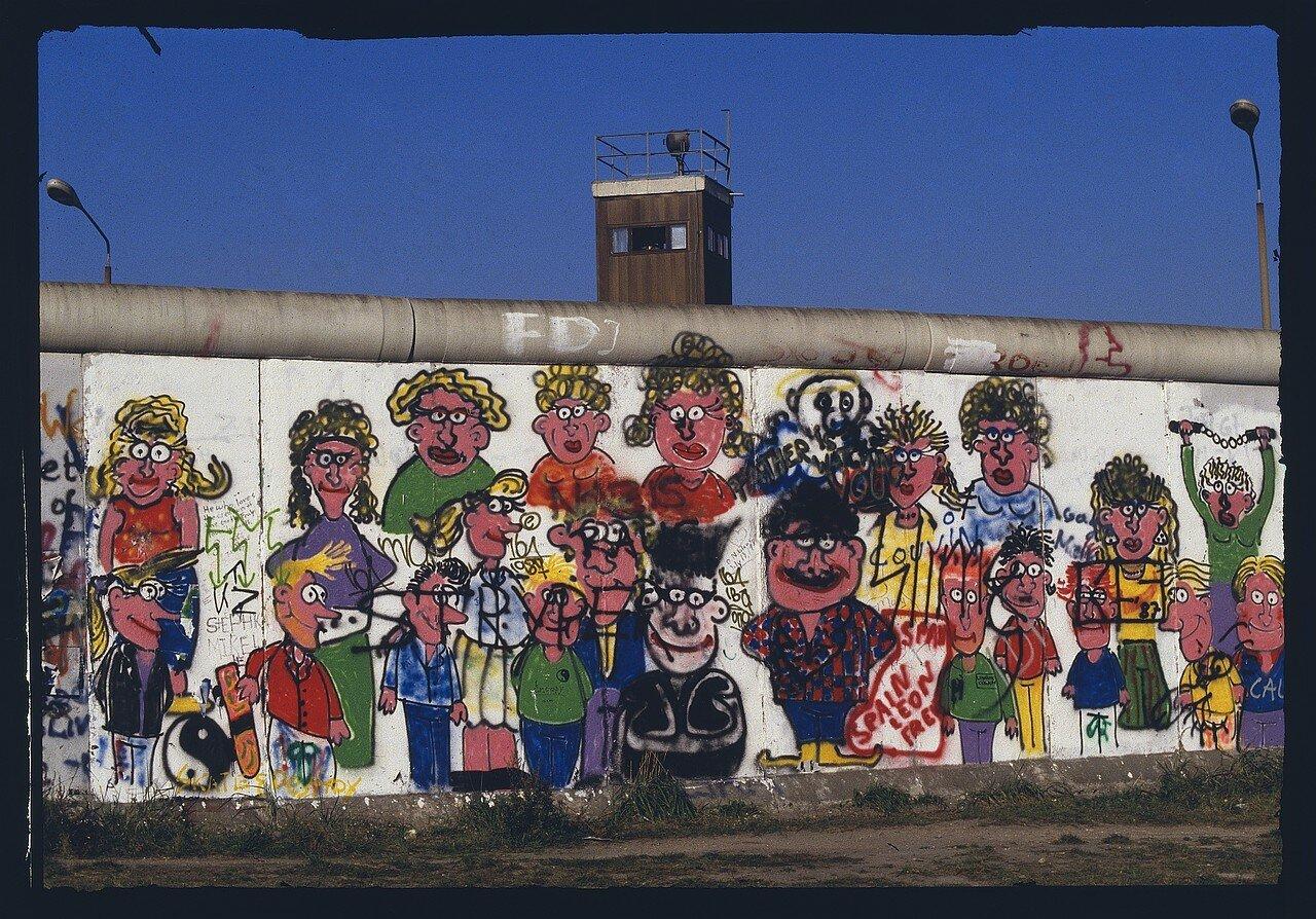 Западный Берлин. Настенная роспись на Циммерштрассе
