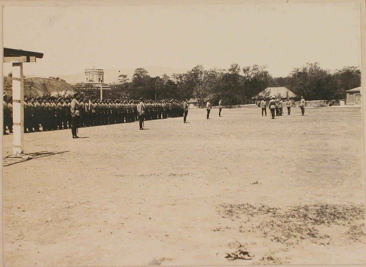 03. Группа военных чинов - офицеров и юнкеров (в строю) на плацу училища