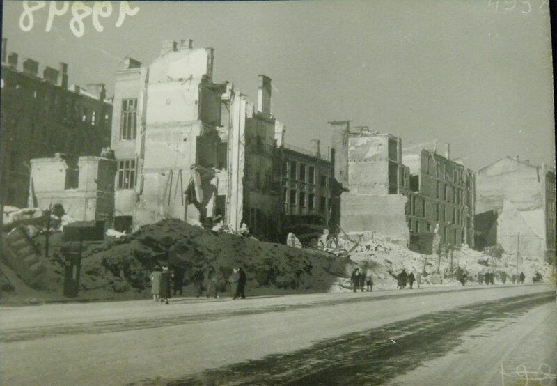 Руины киевского Главпочтамта, ноябрь 1943 года.