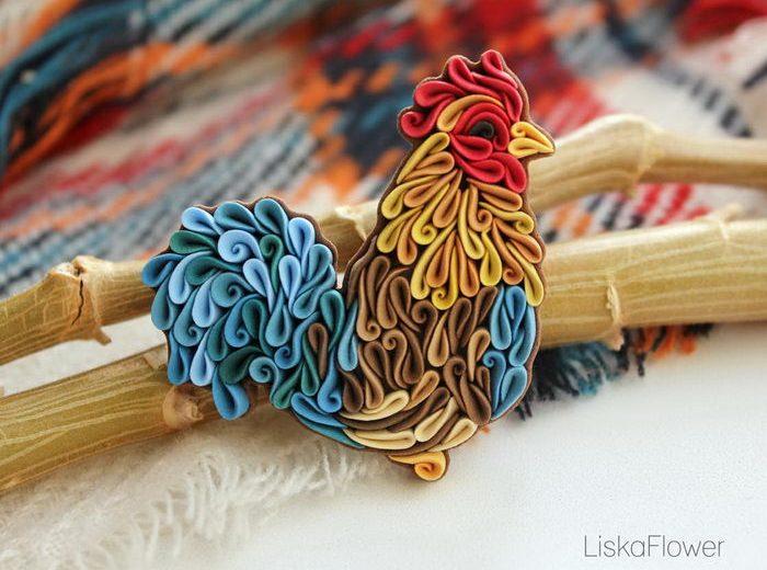 Алиса Ларешкина (Alisa Laryushkina), известная как Liskaflower, создает разнообразные броши из мален