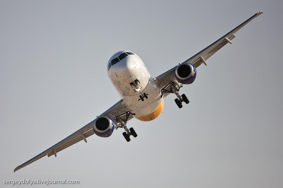Пилотаж на бахрейнском авиасалоне
