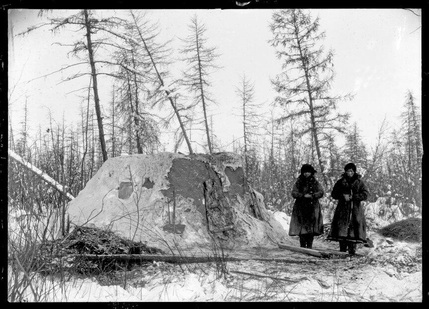 Якутские чумы на Колыме