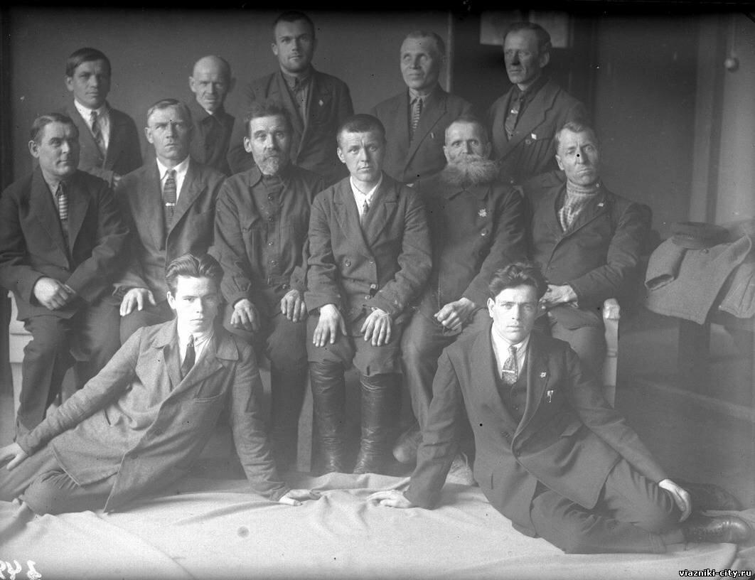 Группа изобретателей фабрики Свободный пролетарий. 1931