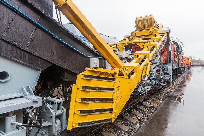 Железнодорожный поезд для мониторинга путей