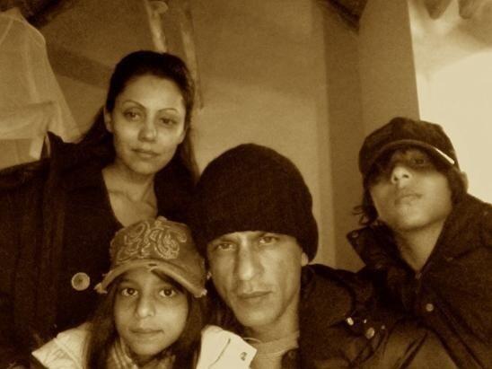 Семья Шахрукх Кхана: жена Гори и их дети - Арьян и Сухана (фотки с Твиттера и из жизни)