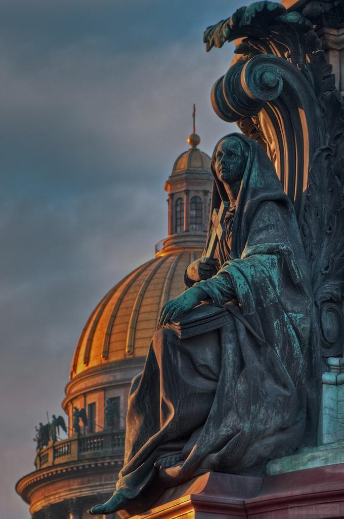 аллегорическая фигура Вера, Исаакиевская площадь, памятник Николаю первому, Исаакиевский собор