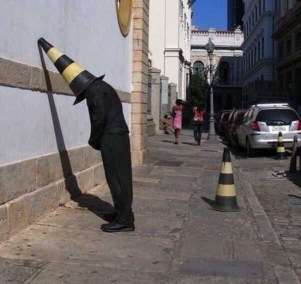 Признанный тролль в мире искусства (9 фото)