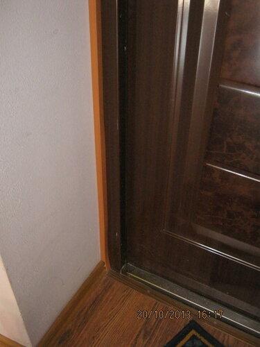 Проводка спрятана, дверной косяк окультурен