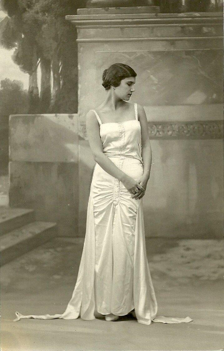 Мисс Греция. Алики Диплараку (28 августа 1912 – 30 октября 2002). Мисс Европа 1930