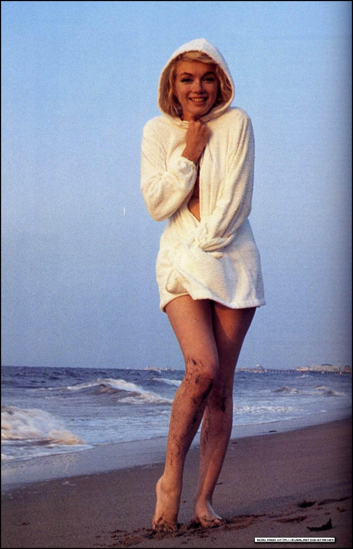 Даль в молодости фото на пляже
