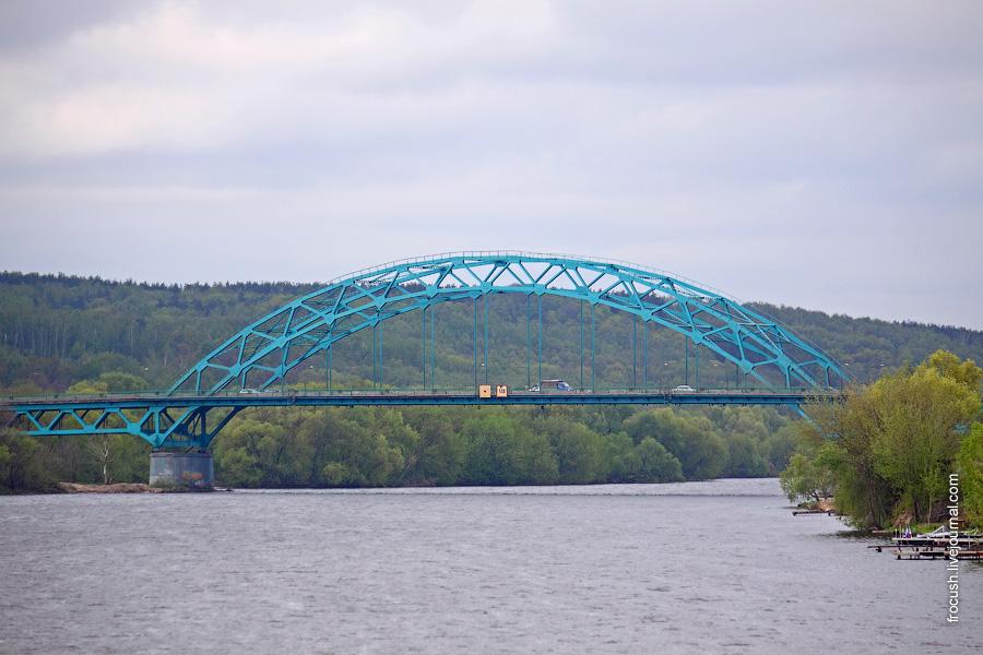 Автомобильный мост Рязанского шоссе через реку Москву