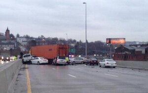 В Массачусетсе столкнулись 70 машин