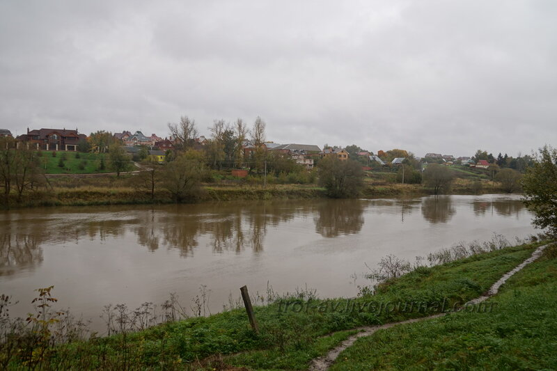 Усадьба Ивановское, вид на реку Пахра, Подольск, 2013
