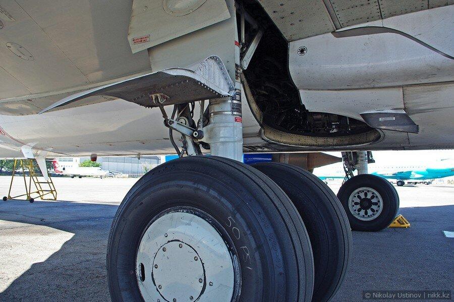 Шасси самолета Боинг 737