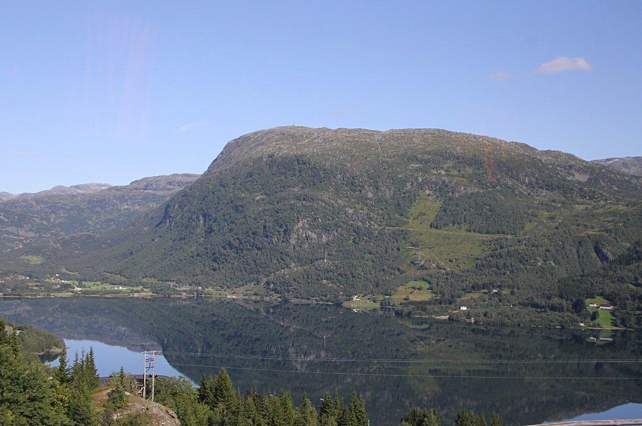 West Norway. Lake Roldalswatnet