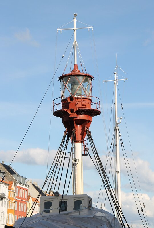 Копенгаген, Новая гавань. Плавучий маяк. Copenhagen, Nyhavn, lightship