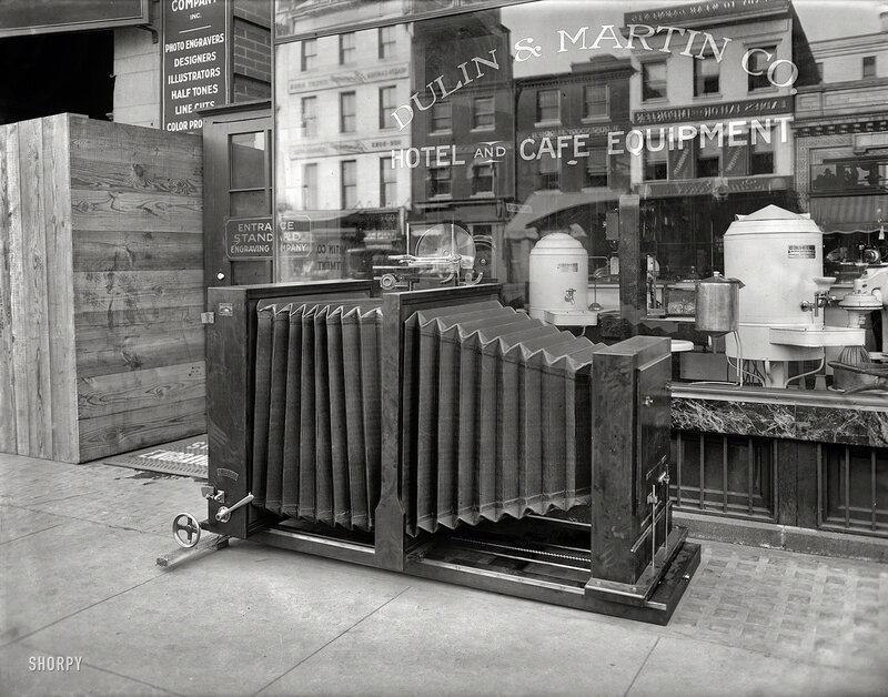Washington, D.C., circa 1920. Standard Engraving Co. big camera. Specifically, The Levy Process Camera