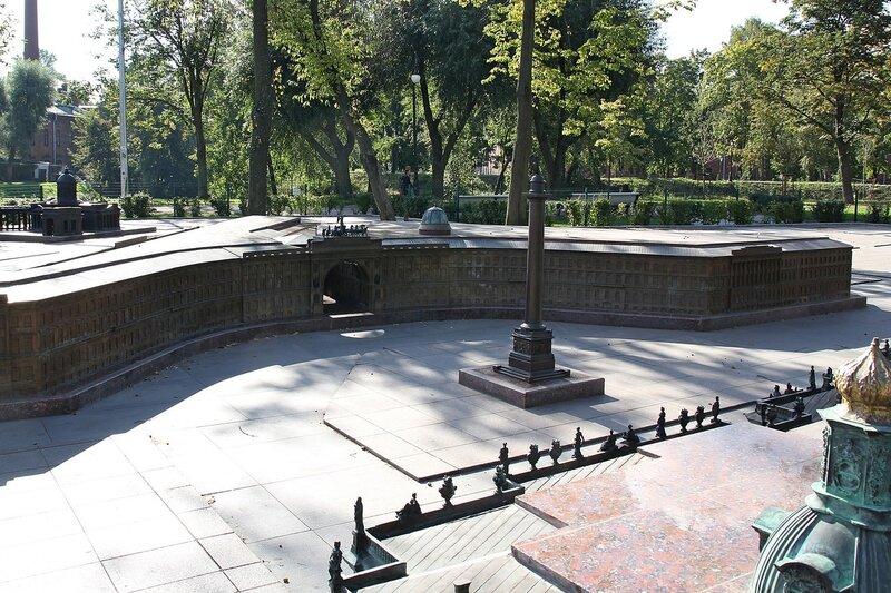 Дворцовая площадь с Александровской колонной и зданием главного штаба - Санкт-Петербург в миниатюре Img_8028