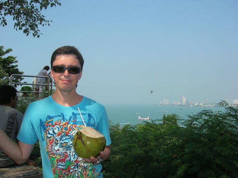 Еда в Таиланде – кокос (Food in Thailand – Coconut).