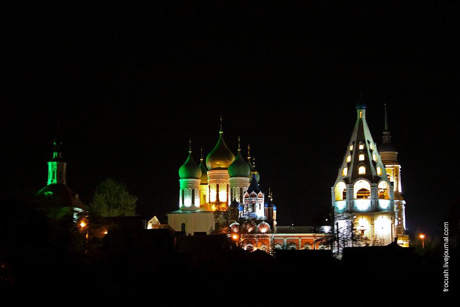 Коломенский кремль ночью