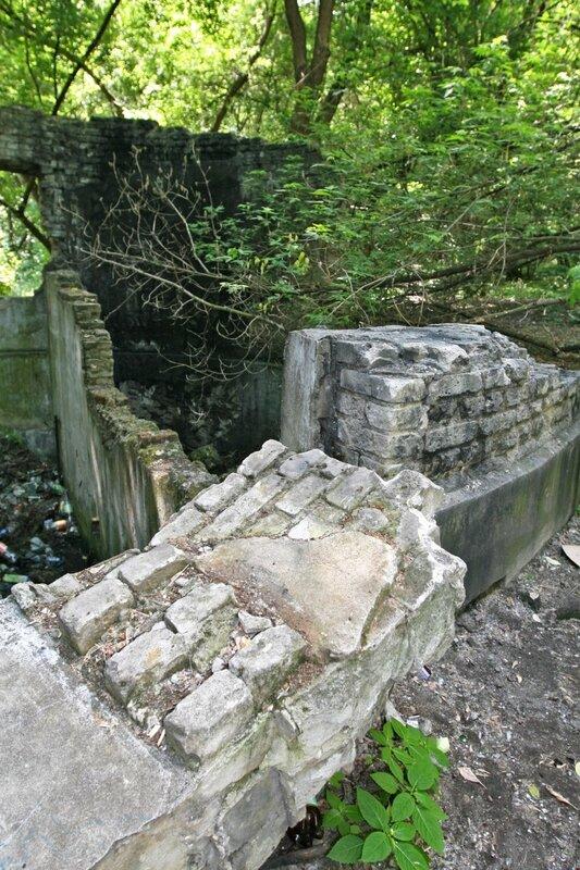 Руины насосной станции