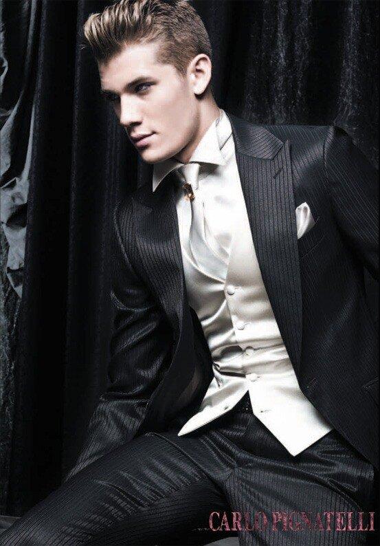 Одежда для мужчин разных дизайнеров.