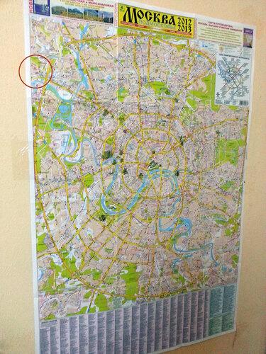 карта москвы на стене