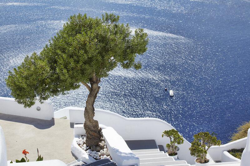 Kirini Suites & Spa – минималистская роскошь Средиземноморья