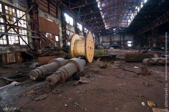 Огнеборцы ликвидировали пожар на заводе серп и молот