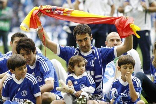 Raul con hijos 11