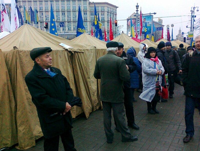 Палатки второго Евромайдана на Европейской площади