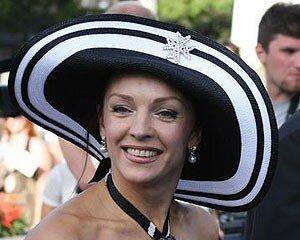 Насколько первая леди Приморья богаче Анджелины Джоли