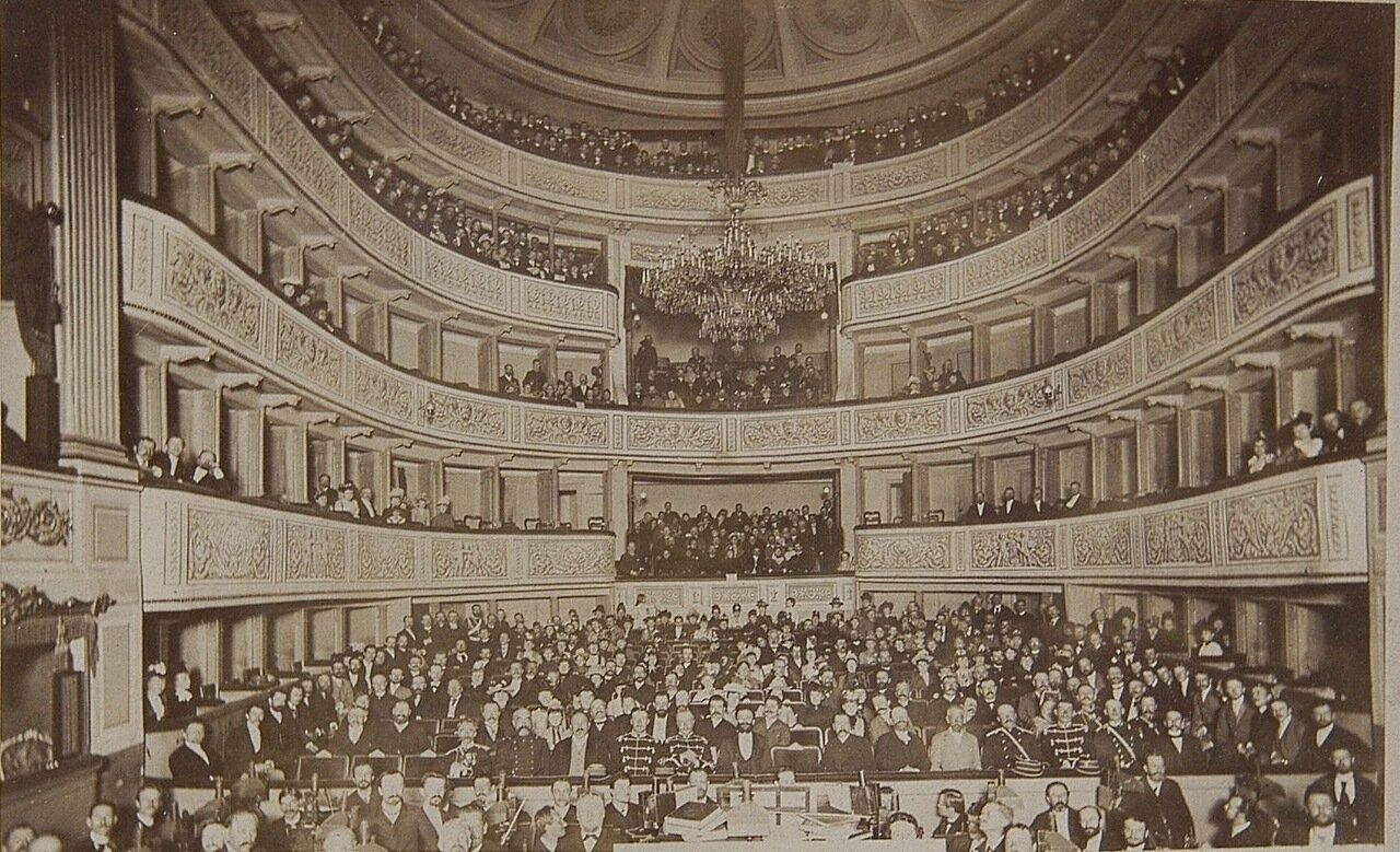 Зрительный зал Большого театра в Варшаве 1885