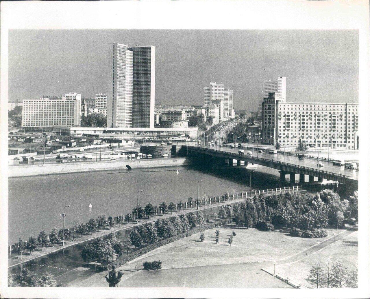 1972. Москва. Новый вид старого города