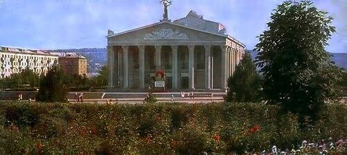 Вид на театр, фото В.Монина, 1967