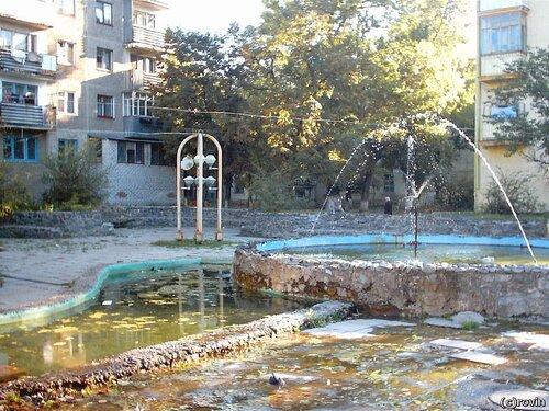 Фонтан на Преображенской. фото Crovin, 2003 г.